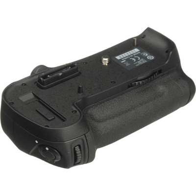 Nikon MB-D12 Battery Pack for D800 and D810 Cameras اصلی دست دوم